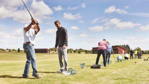 Gratis Golfschnupperstunde, immer samstags im Land Fleesensee